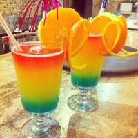 Hauptsache drei leute machen uns n cocktail... #cocktail #bar #regenbogen #rainbow #urlaub #holiday #türkei #goodday #goodlife