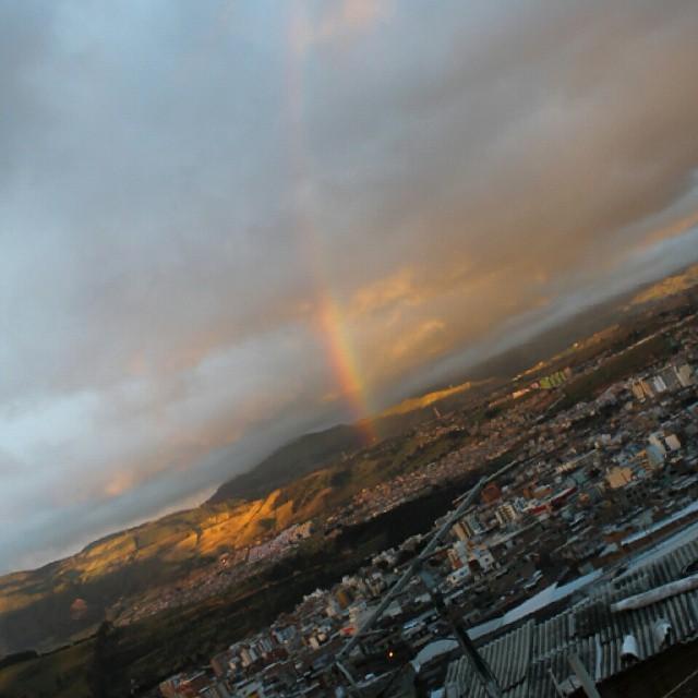 No empiezan para nada mal las vacaciones #rainbow #arcoiris #naturaleza #lluvia #sol #frio #sunshine #photo #fotografía